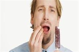 दांतों की तेज झंझनाहट को घरेलू तरीकों से करें दूर