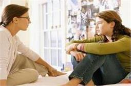 लड़कियां क्यों नहीं कह पाती अपने मां-बाप से ये बातें