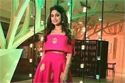Reception Party: शमिता शेट्टी से लेकर अमृता अरोड़ा का दिखा ग्लैमरस लुक