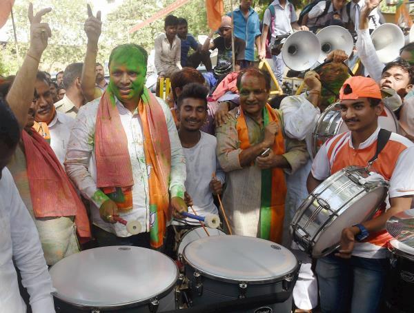 BJP की सुनामी में विपक्षी पार्टियों का सूपड़ा साफ, जानिए कौन कहां से जीता