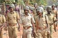 आगरा: पुलिस और हिंदूवादी संगठन में बवाल