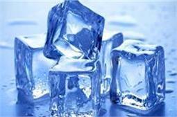 पानी को ठंड़ा करने के लिए नहीं, इन चीजों में भी इस्तेमाल करें Ice Cubes