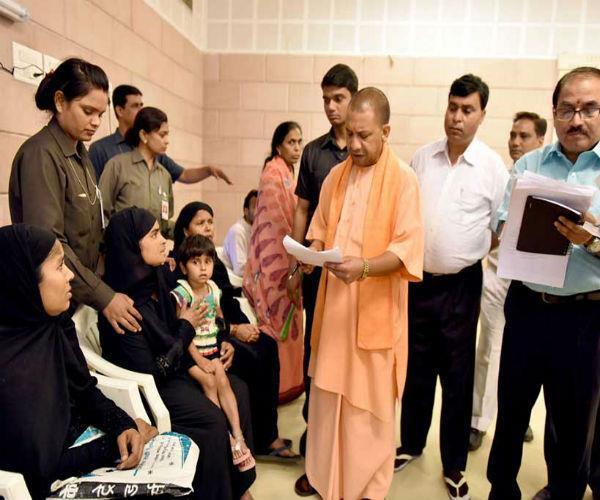 3 तलाक पर मुस्लिम महिलाओं की राय के आधार पर SC में पक्ष रखेगी यूपी सरकार