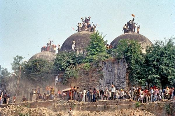 बाबरी विध्वंस मामला: राम विलास वेदांती समेत 5 नेताओं को CBI कोर्ट में मिली जमानत