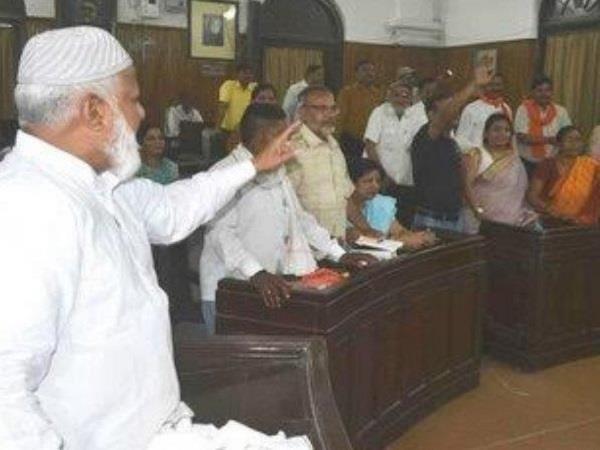 इलाहाबादः राष्ट्रगीत के अपमान मामले में महापौर ने दिए दोषियों के खिलाफ जांच के आदेश