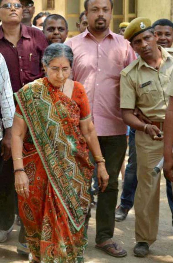 रामराजा मंदिर पहुंची प्रधानमंत्री नरेंद्र मोदी की पत्नी जशोदा बेन