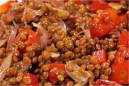 रोस्टेड गार्लिक एंड टोमेटो Lentil Salad