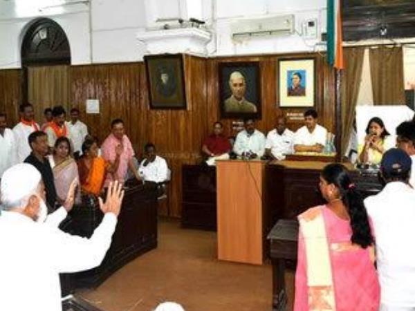 'वंदे मातरम्' को लेकर नगर निगम सदन में सपा-भाजपा में हाथापाई, कार्यवाही प्रभावित