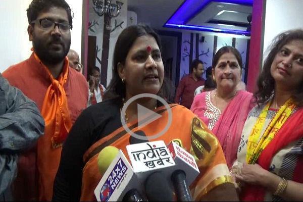 सोनू निगम के बाद भाजपा नेत्री का विवादित बयान, कहा-बंद होना चाहिए 5 वक्त की नमाज