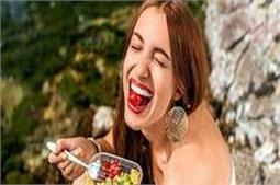 रोजाना खाएं ये 10 फूड्स, रहेंगे बीमारियों से कोसों दूर