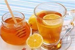 खाली पेट गुनगुने पानी में मिलाकर पीएं ये 2 चीजें, मिलेंगे कई फायदें!