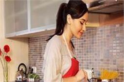 किचन में काम करते समय रखें इन बातों का ख्याल