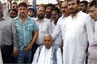 CM योगी के खिलाफ धरने पर बैठा बसपा का ये बाहुबली नेता