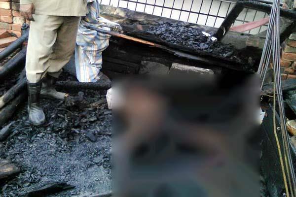 वृद्ध ने उठाया खौफनाक कदम, मिट्टी का तेल छिड़क कर खुद को लगाई आग