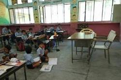 पहले से ही शिक्षकों की कमी को झेल रहे सरकारी स्कूल