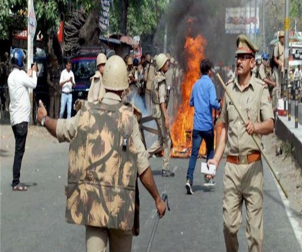 अलीगढ़ में दो गुटों के बीच हिंसक झड़प, इलाके में तनाव का माहौल