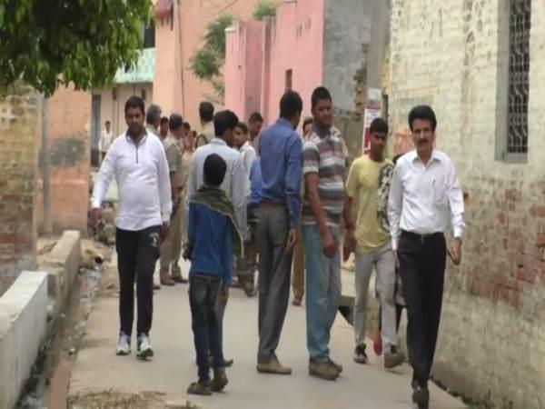 सहारनपुर के बाद हापुड़ में भी सांप्रदायिक तनावः जमकर चले पत्थर, 6 घायल