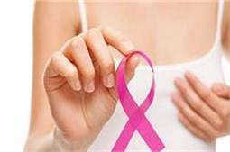Breast Cancer के इन 6 लक्षणों को कभी न करें नजरअंदाज