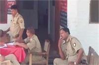 CM योगी का डंडा बेअसर, सरकार के मंसूबे का मखौल उड़ाता दिखा दरोगा