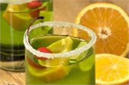 बड़ी टेस्टी है ये खट्टी-मीठी Midori Sour Cocktail