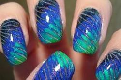 नेल पेंट में Marble Nail Art का चलाएं जादू
