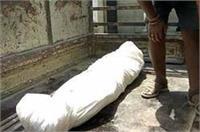 यूपी: कब्र खोदकर निकाली गई लाश, जानिए क्या है मामला