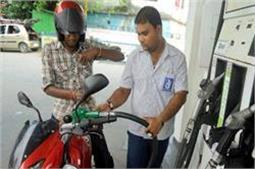 PM मोदी के संसदीय क्षेत्र में 28 मई से 'नो हेल्मेट, नो पेट्रोल'