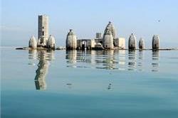 क्या अापने देखा है झील में डूबा यह मंदिर ?