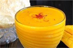 गर्मियों में पीएं खट्टा-मीठा आमरस