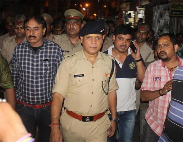 मथुरा में दोहरा हत्याकांडः ज्वैलरी शॉप से 4 करोड़ की लूट, योगी ने दिए जांच के आदेश