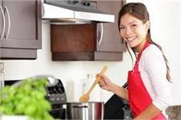 हर महिला के लिए जरूरी हैं ये Kitchen Tips