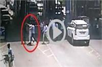 BSP विधायक की दबंगई, टोलकर्मी को सरेआम जमकर पीटा