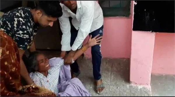 सरकारी अस्पताल में जच्चा-बच्चा की मौत, परिजनों ने किया जमकर हंगामा