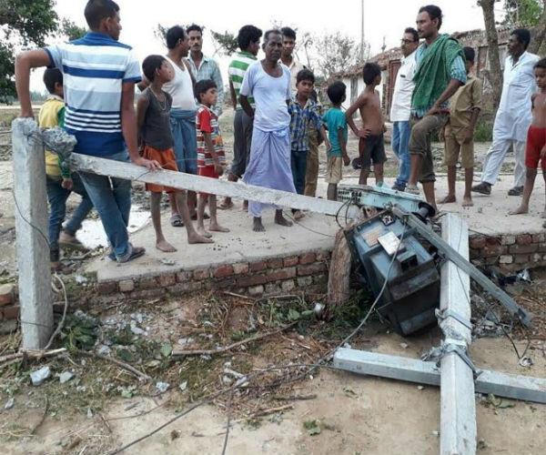 यूपी में आंधी का कहर: 19 की दर्दनाक मौत, सैकड़ों घायल