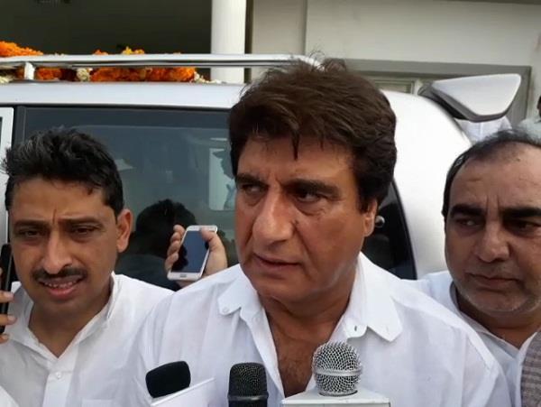 सहारनपुर हिंसा पीड़ितों से मिले राज बब्बर, योगी सरकार को ठहराया दोषी