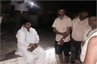 पूर्व सपा अध्यक्ष शिवपाल यादव धरने पर बैठे, योगी की पुलिस पर लगाए गंभीर आरोप