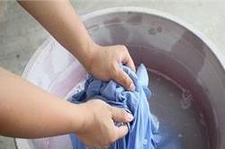 कपड़ों को फेड होने से बचाने के लिए जरूर अपनाएं ये तरीके