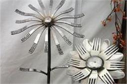 चम्मच से बने फ्लॉवर से गार्डन को दें Silver का टच