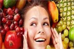 खूबसूरत त्वचा के लिए खाने में कम करें ये 5 चीजें