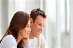 ऑफिस में साथ काम कर रहे Couples  यूं बनाएं अपने रिश्ते को मजबूत
