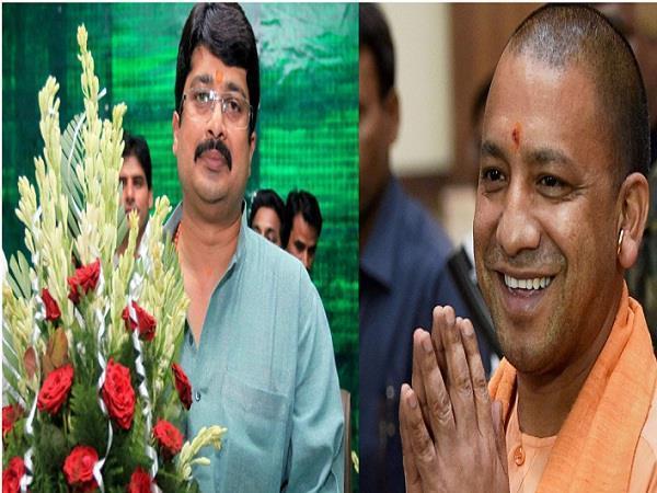 बाहुबली नेता राजा भैया ने योगी से की मुलाकात, भाजपा में होंगे शामिल!