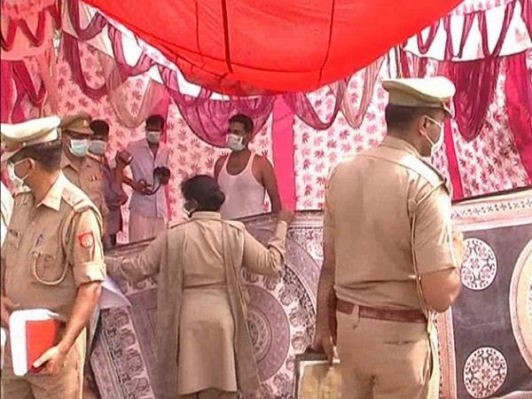 मौत बनी रहस्य, पुलिस ने कब्र से शव को निकालकर पोस्टमार्टम के लिए भेजा