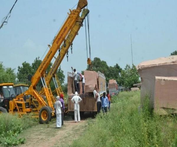 राम मंदिर के लिए अयोध्या पहुंचे 2 ट्रक पत्थर, क्या शुरू होने वाला है निर्माण?