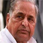BJP का तंज, कहा- गायत्री को बचाने के बजाय गायत्री मंत्र का पाठ करें मुलायम