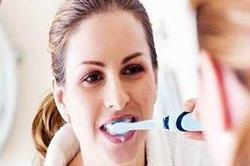 दांतों को रखना है स्वस्थ तो सोने से पहले ब्रश करना न भूलें