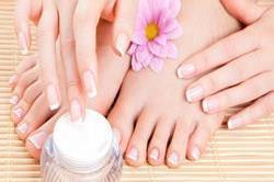 Summer special: इन तरीकों से रखें पैरों की खास देखभाल