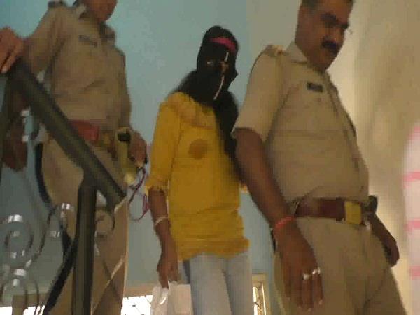 होटल में रंगेहाथ आशिक के साथ पकड़ी गई महिला, पति को पहले से था अफेयर का शक