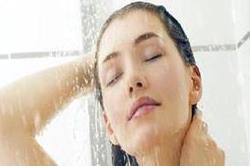 नहाते समय हर लड़की सोचती है ये बातें!