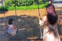 बेटी के साथ यूं छुट्टियां बिता रही है ऐश्वर्या