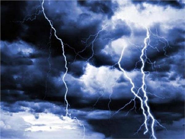 UP: आकाशीय बिजली गिरने से 24 घंटे में 7 की हुई दर्दनाक मौत, 5 झुलसे